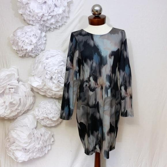 VENUS Dresses & Skirts - VENUS abstract print sexy stretch bodycon dress L